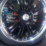 20インチホイール(ブラック.ポリッシュ):タイヤサイズ245/35r20